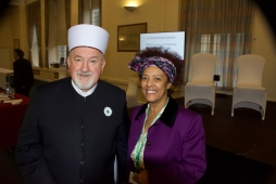 Dr Yvonne Howard-Bunt and the former Grand Mufti of Bosnia Herzegovina, Dr Mustafa Cerić at the the Ethical Approaches to Peaceful Coexistence Conference, Cardiff (2017)